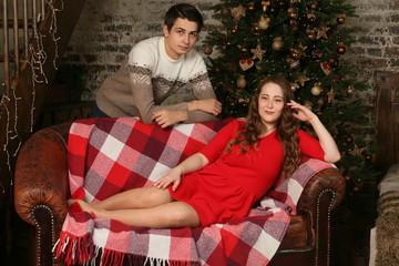 Влюбленная пара на Рождество