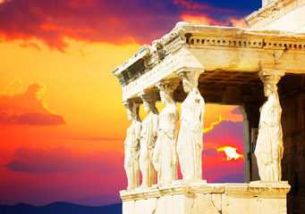 Fototapete - details of Erechtheion temple in Acropolis of Athens at sunset, Greece