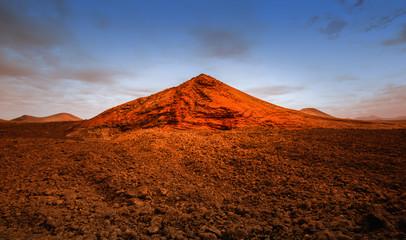 Deurstickers Rood paars volcano