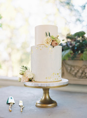 A two tiered wedding cake
