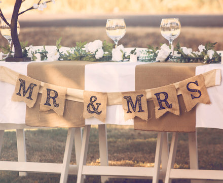 MR & MRS Wedding Table