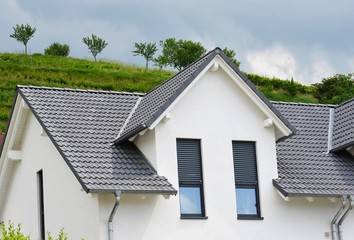 Fassade eines modernen Einfamilienhauses
