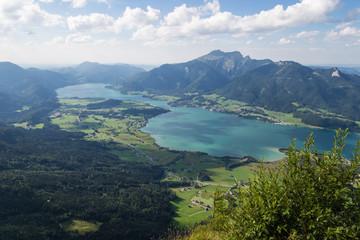 Blick über den Wolfgangsee im Sommer