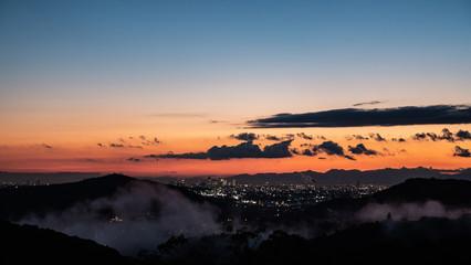 夕日と夜景