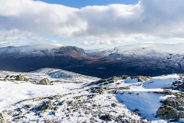 verschneite Felslandschaft im Jotunheimen Nationalpark