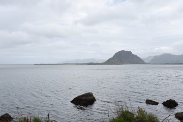 Norwegen, Lofoten, Rekdal, Leknes, Küste, Steinküste, Brandung, Sturm, Herbst, Vestvagøy, Sundklakkstraumen, Straumen, Atlantik, Atlantikküste, Nordland,