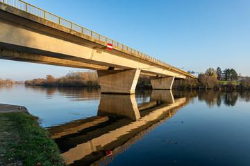 Pont sur la Moselle pour faciliter la circulation