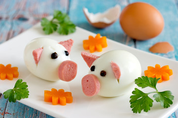 Food art idea - edible egg pigs for new year 2019 or easter
