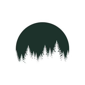 Лес на фоне луны