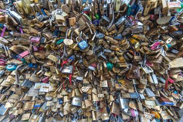 Love locks passion Paris