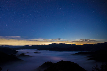 sea of clouds and lots of stars in Japan