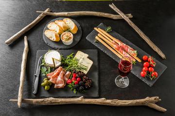 オードヴルセット Ham and cheese and wine