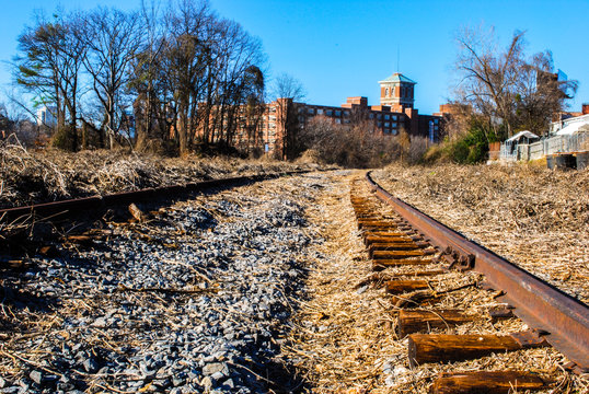 Train tracks in downtown Atlanta before the belt line was created
