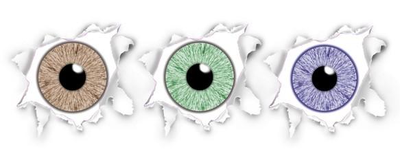 Iris von drei Augen blicken durch aufgerissenes Papier