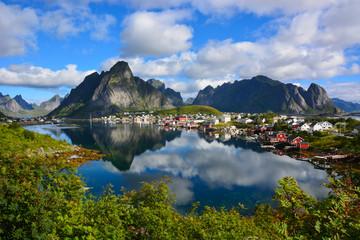 Fischerdorf Reine auf den Lofoten, Norwegen / Skandinavien