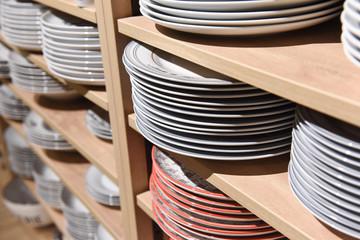assiette porcelaine etagere faience