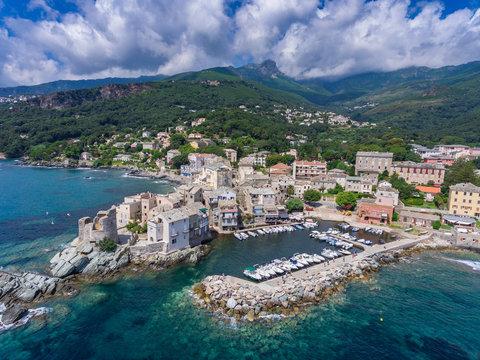 Erbalunga an der Ostküste des Cap Corse auf Korsika