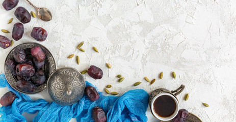 Dried dates and black coffee.