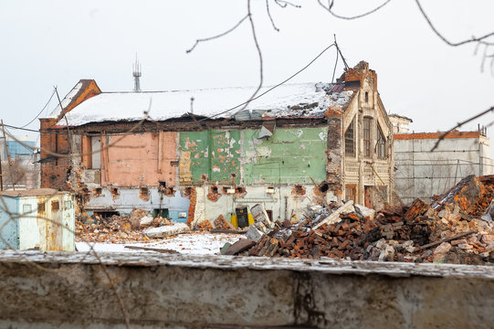 Tyumen, Russia - February 16, 2008: Demolition of machine-tool factory. The building of the shop before demolition