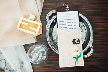 wedding rings and card