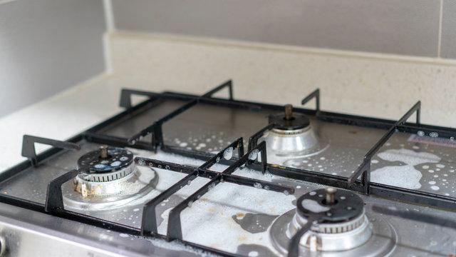 주방 가스렌지 깨끗하게 청소