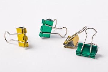 Double clips with different colors.