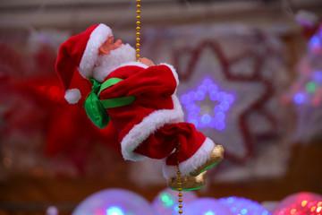 Santa Claus climbs, Christmas market