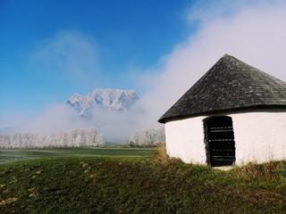 Schneewolke am Grimming, Steirische Alpen