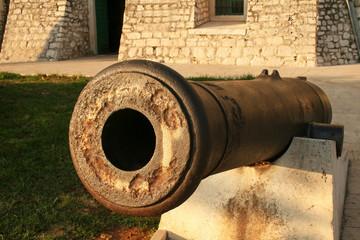 Old cannons. Old cannons in Sibenik, Croatia Fototapete
