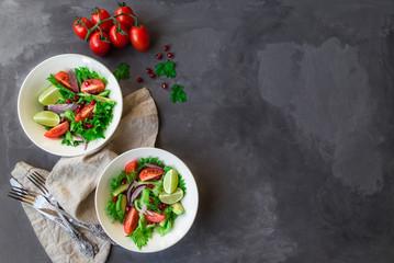 Fototapete - Fresh salad in bowls