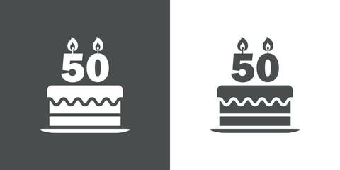 Icono plano tarta de 50 aniversario en gris y blanco
