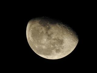 輝く月、月齢20.0、月イメージ素材