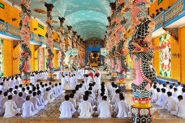 Vietnam, Cantho Prov, Mekong Delta, , Noontime Prayer and Ceremony at Cao Dai Temple.