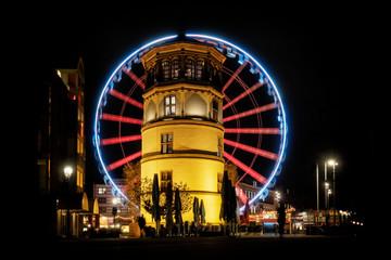 Schlossturm Düsseldorf zur Weihnachtszeit