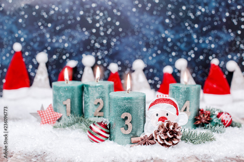 Weihnachtsbilder Zum 3 Advent.3 Advent Kerze Brennt Panorama Hintergrund Stockfotos Und
