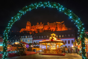 Heidelberger Weihnachtsmarkt und Schloss