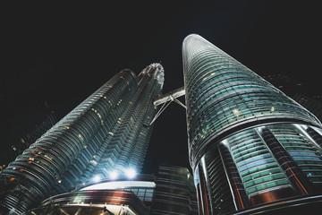 Papiers peints Kuala Lumpur Petronas Twin Towers at night