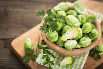 Photo sur Toile Bruxelles Fresh Brussel sprouts in the bowl