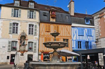Auxesse, piazza di St. Nicolas - Borgogna
