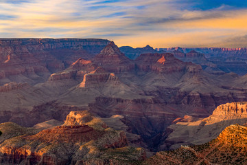 fantastic view into the grand canyon from mathers point