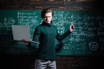 Be cool and you will be able to attract and retain lot more students. Mentor needs to have love for how he works. Students usually get excited about the material. Fototapete