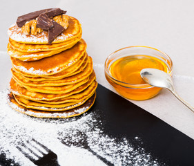 Pancakes with honey and chocolate