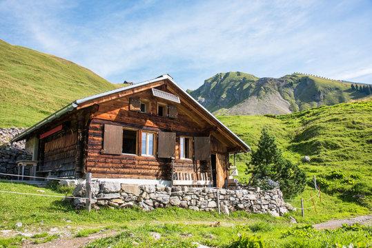 Alphütte im Berner Oberland / Schweiz