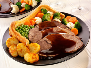 TRADITIONAL ROAST BEEF DINNER WITH YORKSHIRE PUDDING