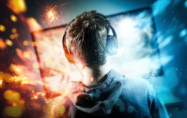 Junger Gamer beim Videospiel
