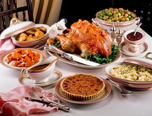 TRADITIONAL CHRISTMAS FOOD TABLESETTING