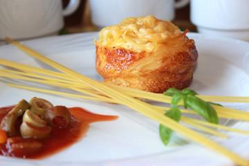 Spaghetti Muffin, Oliven, Basilikum