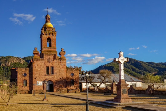 View of the San Francisco Javier de Cerocahui catholic church in the small town of Cerocahui in the Copper Canyon (Barrancas del Cobre) in Chihuahua state, Mexico