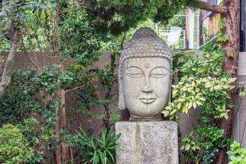 庭先の石仏