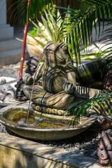 Foto op Aluminium Fontaine fontaine grenouille